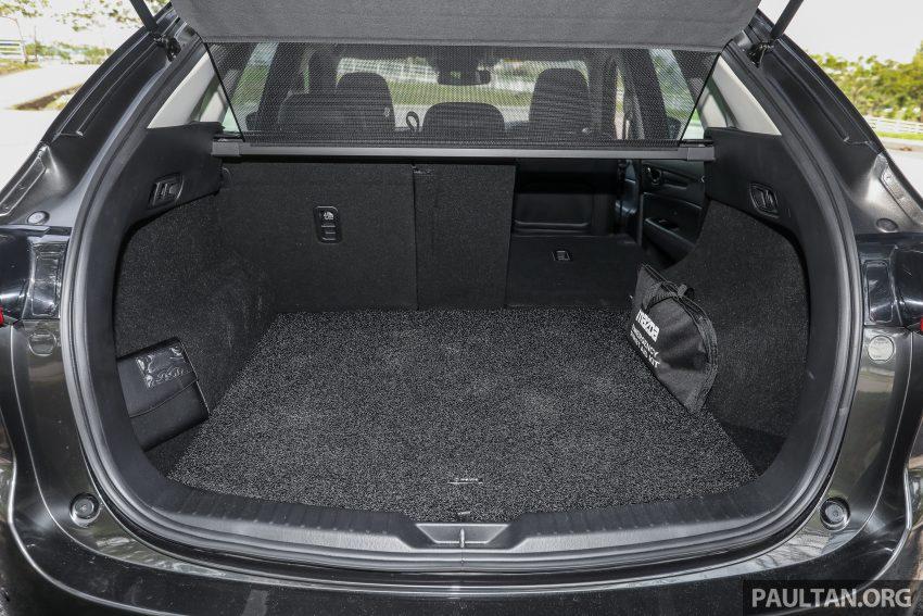 图集:Mazda CX-5 2.0 GL SkyActiv-G 2WD 与 2.2 GLS SkyActiv-D AWD, 两组实车照, 让你对比两个版本的差异。 Image #52491