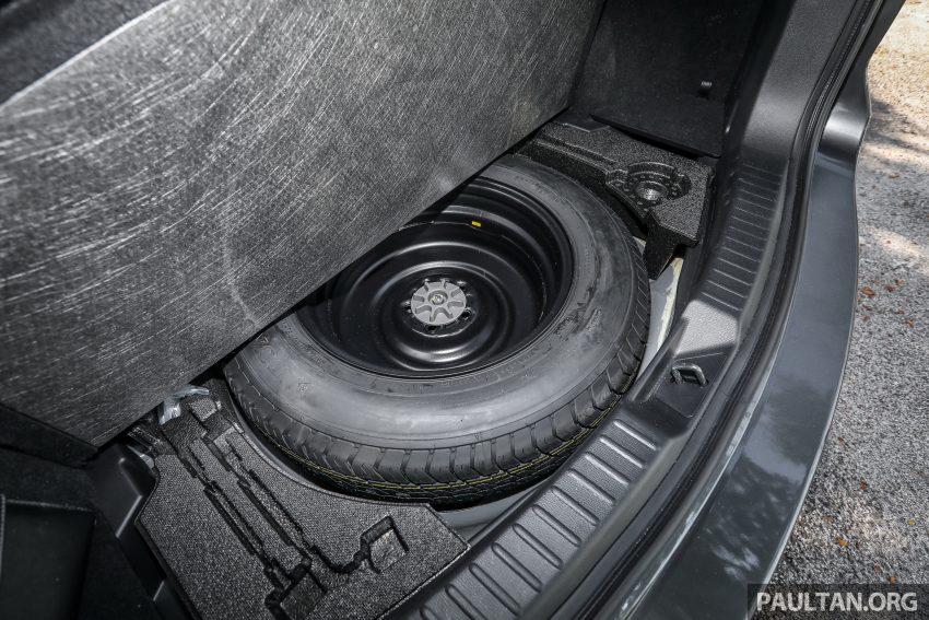 图集:Mazda CX-5 2.0 GL SkyActiv-G 2WD 与 2.2 GLS SkyActiv-D AWD, 两组实车照, 让你对比两个版本的差异。 Image #52493