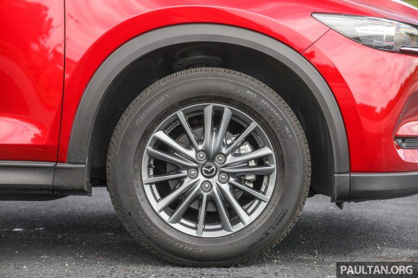 图集:Mazda CX-5 2.0 GL SkyActiv-G 2WD 与 2.2 GLS SkyActiv-D AWD, 两组实车照, 让你对比两个版本的差异。 Image #52374