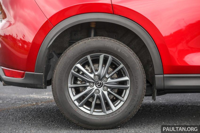 图集:Mazda CX-5 2.0 GL SkyActiv-G 2WD 与 2.2 GLS SkyActiv-D AWD, 两组实车照, 让你对比两个版本的差异。 Image #52375