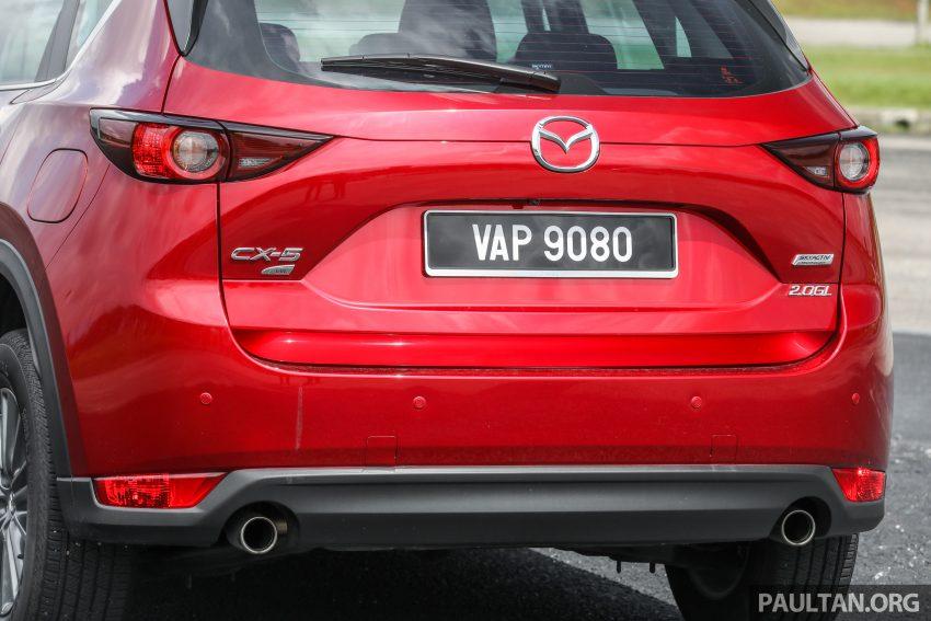 图集:Mazda CX-5 2.0 GL SkyActiv-G 2WD 与 2.2 GLS SkyActiv-D AWD, 两组实车照, 让你对比两个版本的差异。 Image #52376