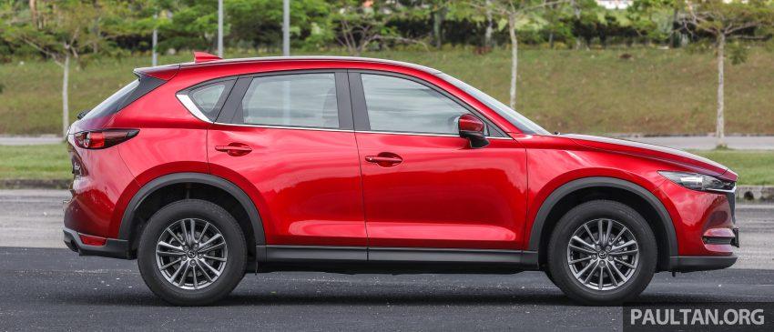 图集:Mazda CX-5 2.0 GL SkyActiv-G 2WD 与 2.2 GLS SkyActiv-D AWD, 两组实车照, 让你对比两个版本的差异。 Image #52358