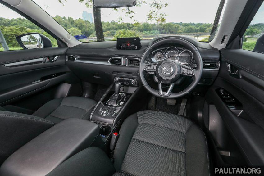 图集:Mazda CX-5 2.0 GL SkyActiv-G 2WD 与 2.2 GLS SkyActiv-D AWD, 两组实车照, 让你对比两个版本的差异。 Image #52404