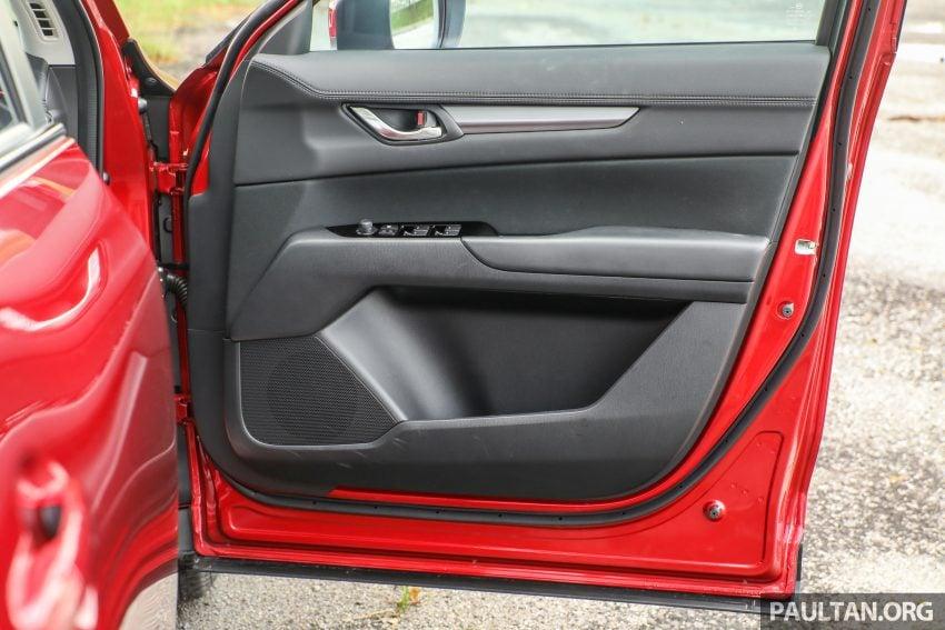 图集:Mazda CX-5 2.0 GL SkyActiv-G 2WD 与 2.2 GLS SkyActiv-D AWD, 两组实车照, 让你对比两个版本的差异。 Image #52412