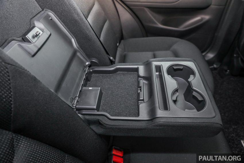 图集:Mazda CX-5 2.0 GL SkyActiv-G 2WD 与 2.2 GLS SkyActiv-D AWD, 两组实车照, 让你对比两个版本的差异。 Image #52417