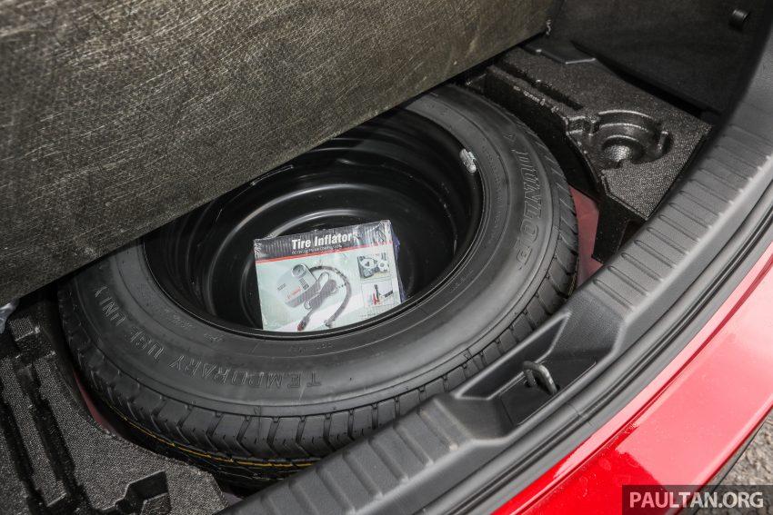 图集:Mazda CX-5 2.0 GL SkyActiv-G 2WD 与 2.2 GLS SkyActiv-D AWD, 两组实车照, 让你对比两个版本的差异。 Image #52424