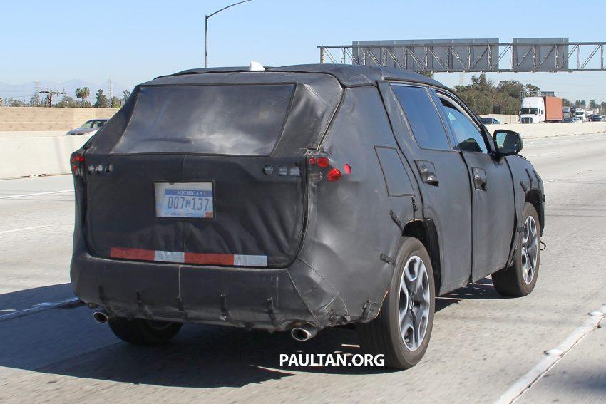 官方释出预告,2019 Toyota RAV4 即将在纽约车展亮相 Image #61375
