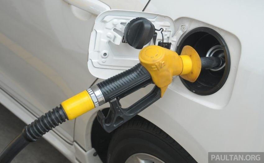 只为小排量交通工具提供津贴, 政府明年公布新油价机制 Image #75889
