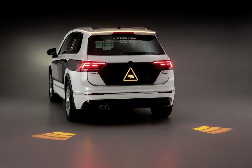 可与道路使用者交流,Volkswagen 研发智能车灯照明技术 Image #79051