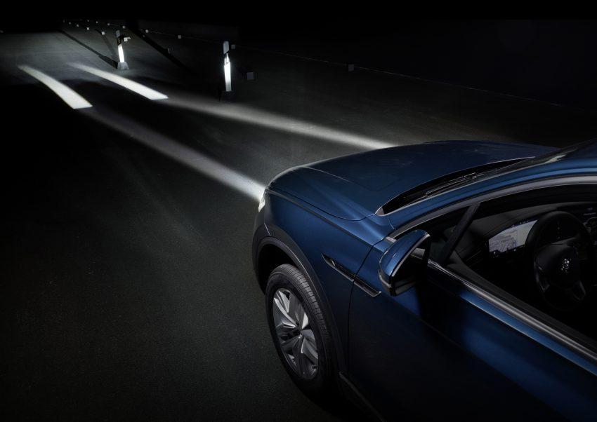 可与道路使用者交流,Volkswagen 研发智能车灯照明技术 Image #79052