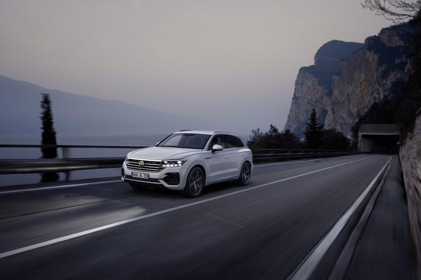 可与道路使用者交流,Volkswagen 研发智能车灯照明技术 Image #79038