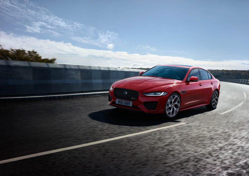 Jaguar XE 小改款发布,新引擎、外型设计再进化 Image #89074