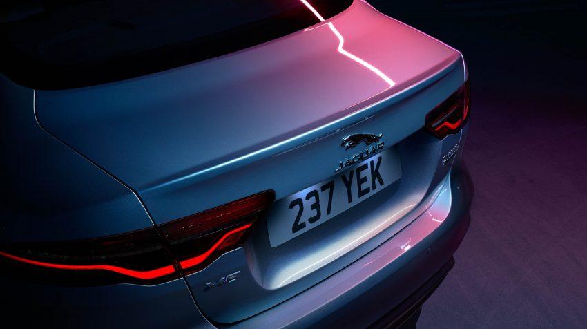 Jaguar XE 小改款发布,新引擎、外型设计再进化 Image #89090