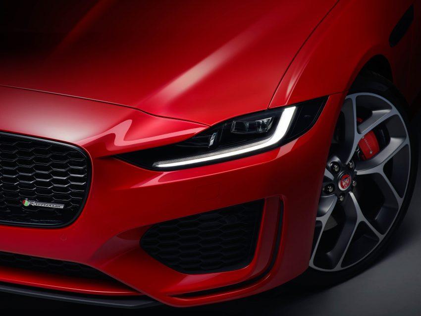 Jaguar XE 小改款发布,新引擎、外型设计再进化 Image #89058