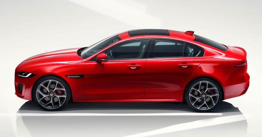 Jaguar XE 小改款发布,新引擎、外型设计再进化 Image #89061