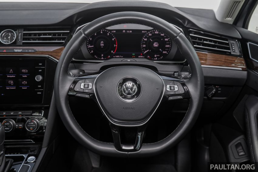 试驾: Volkswagen Passat 2.0 TSI Highline, 低调的实力派 Image #106731