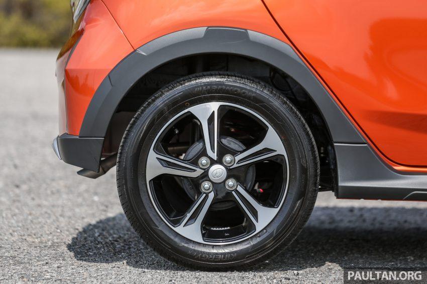 新车实拍对比:2019 Perodua Axia 1.0 AV 与 1.0 Style Image #107759