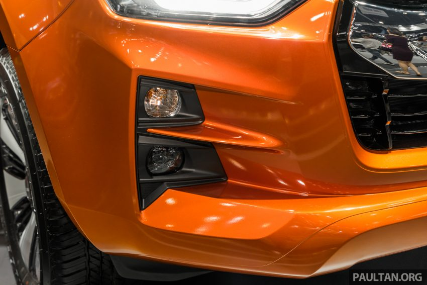 新车实拍:第三代 Isuzu D-Max 首次公开亮相泰国车展 Image #112327