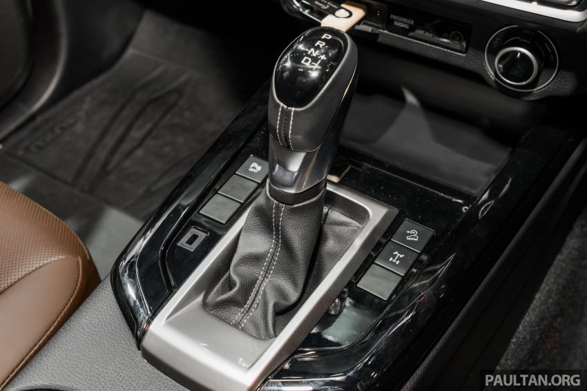 新车实拍:第三代 Isuzu D-Max 首次公开亮相泰国车展 Image #112273