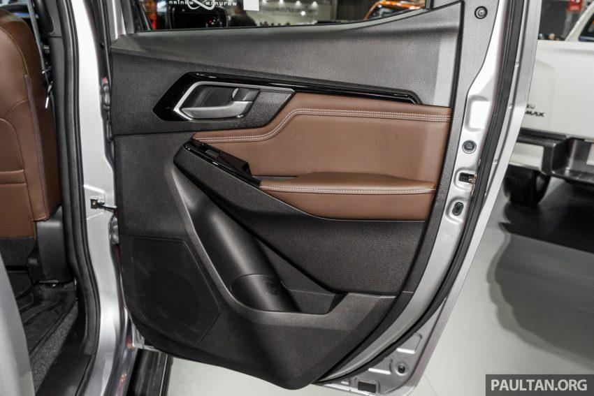 新车实拍:第三代 Isuzu D-Max 首次公开亮相泰国车展 Image #112280