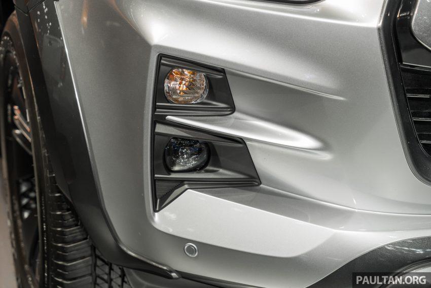 新车实拍:第三代 Isuzu D-Max 首次公开亮相泰国车展 Image #112251
