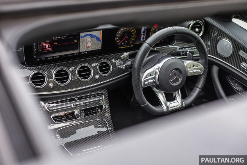 试驾:Mercedes-AMG E 53 4Matic+,是绅士亦是猛兽 Image #113126