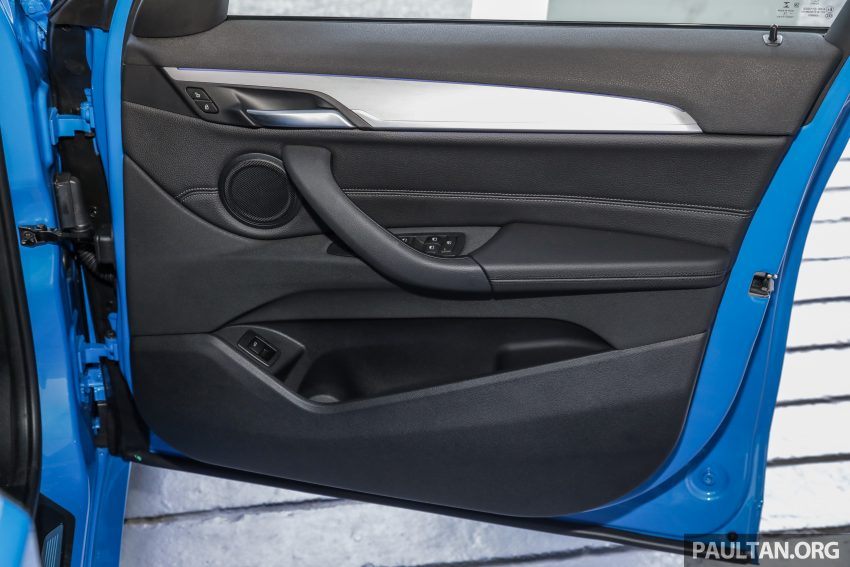 新车实拍: BMW X1 sDrive20i M Sport, 入门SUV更年轻化 Image #114726