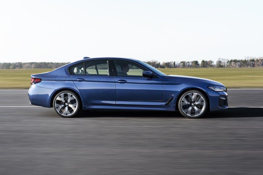 小改款 G30 BMW 5 Series LCI 发布, 造型向大哥7系看齐 Image #122487