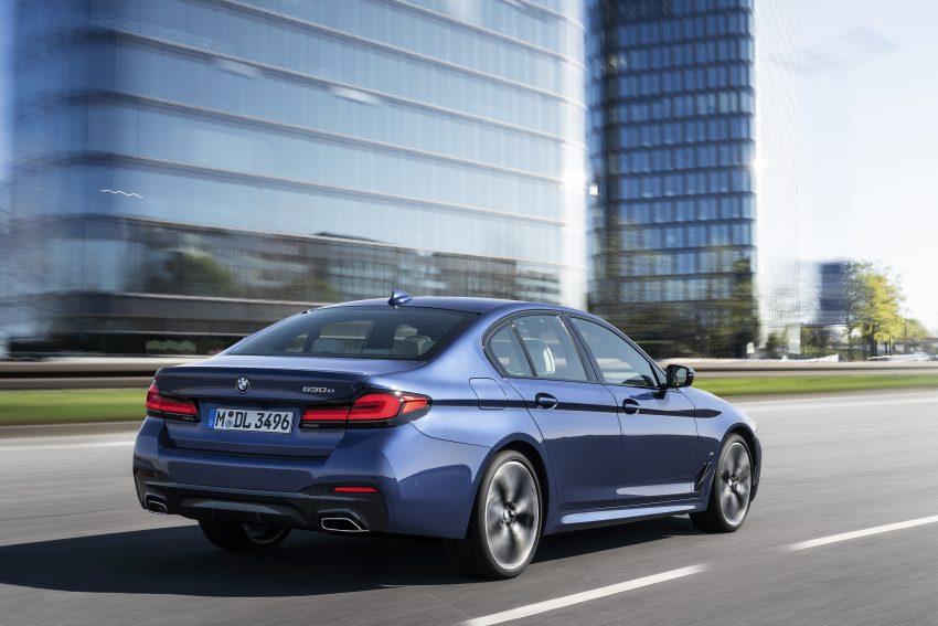 小改款 G30 BMW 5 Series LCI 发布, 造型向大哥7系看齐 Image #122480