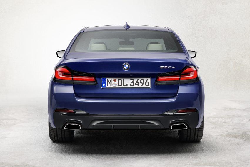 小改款 G30 BMW 5 Series LCI 发布, 造型向大哥7系看齐 Image #122488