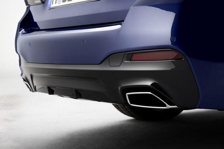 小改款 G30 BMW 5 Series LCI 发布, 造型向大哥7系看齐 Image #122493