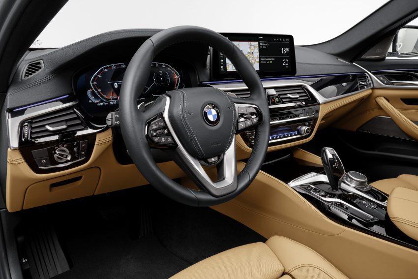 小改款 G30 BMW 5 Series LCI 发布, 造型向大哥7系看齐 Image #122494