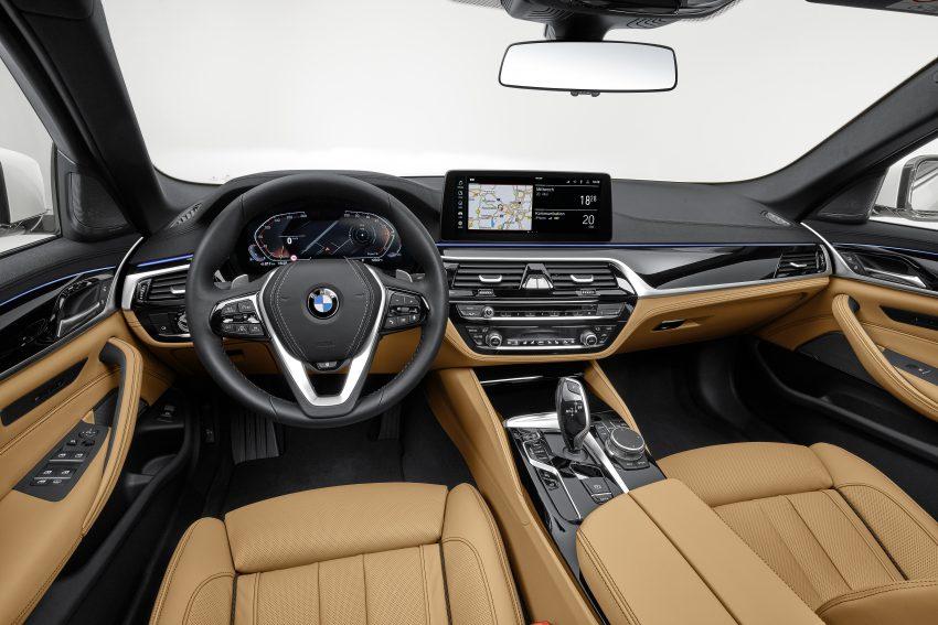 小改款 G30 BMW 5 Series LCI 发布, 造型向大哥7系看齐 Image #122495