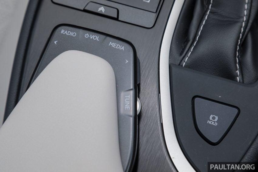 新车试驾: Lexus UX 200 Luxury, 适合都会女性的时尚选择 Image #126185
