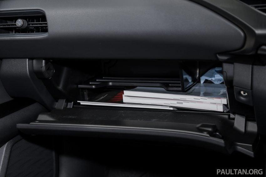 新车试驾: Lexus UX 200 Luxury, 适合都会女性的时尚选择 Image #126189