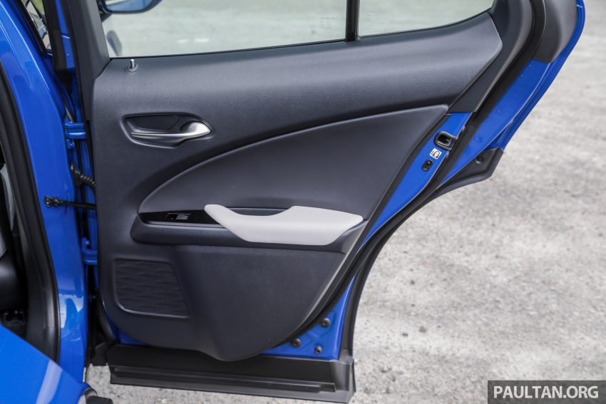 新车试驾: Lexus UX 200 Luxury, 适合都会女性的时尚选择 Image #126208