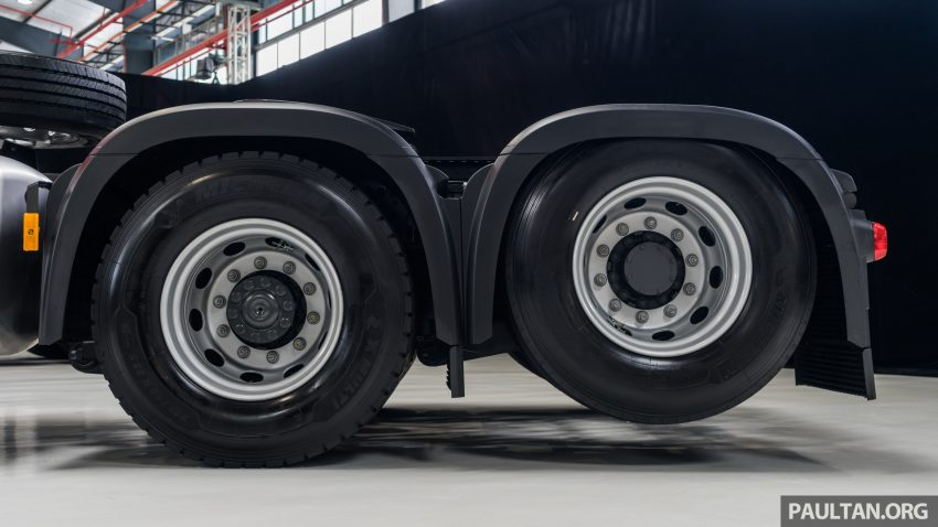 2020 Mercedes-Benz Actros 大型货卡本地上市, 10种不同车型版本供选择, 搭载AEB, ACC, LKAS等高科技安全配备 Image #129944