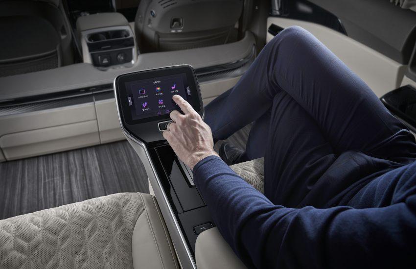 Kia Carnival Hi Limousine Premium Lounge 四人座豪华MPV韩国上市, 搭配足部按摩器, 售价仅Lexus LM的三分一 Image #157814