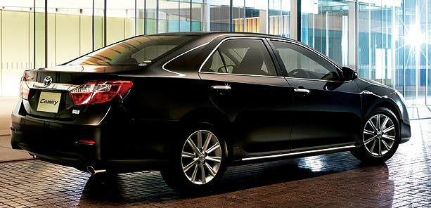 New generation Toyota Camry Hybrid launched in Japan! Image #67187