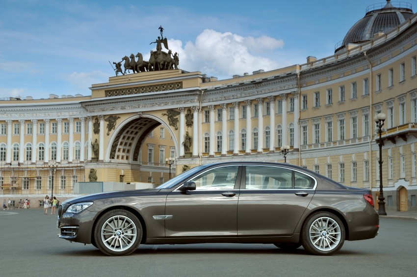 GALLERY: F01/F02 BMW 7-Series LCI International Media Drive – BMW 750Li long wheelbase Image #119916