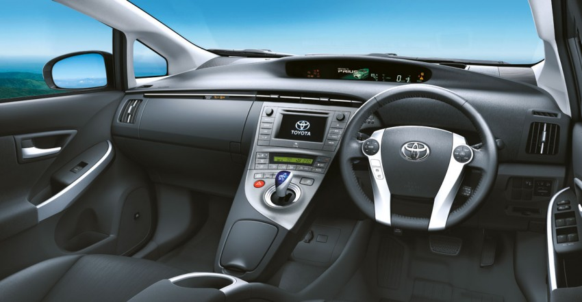 Facelifted Toyota Prius is here – RM139,900 to RM145,500 Image #88956