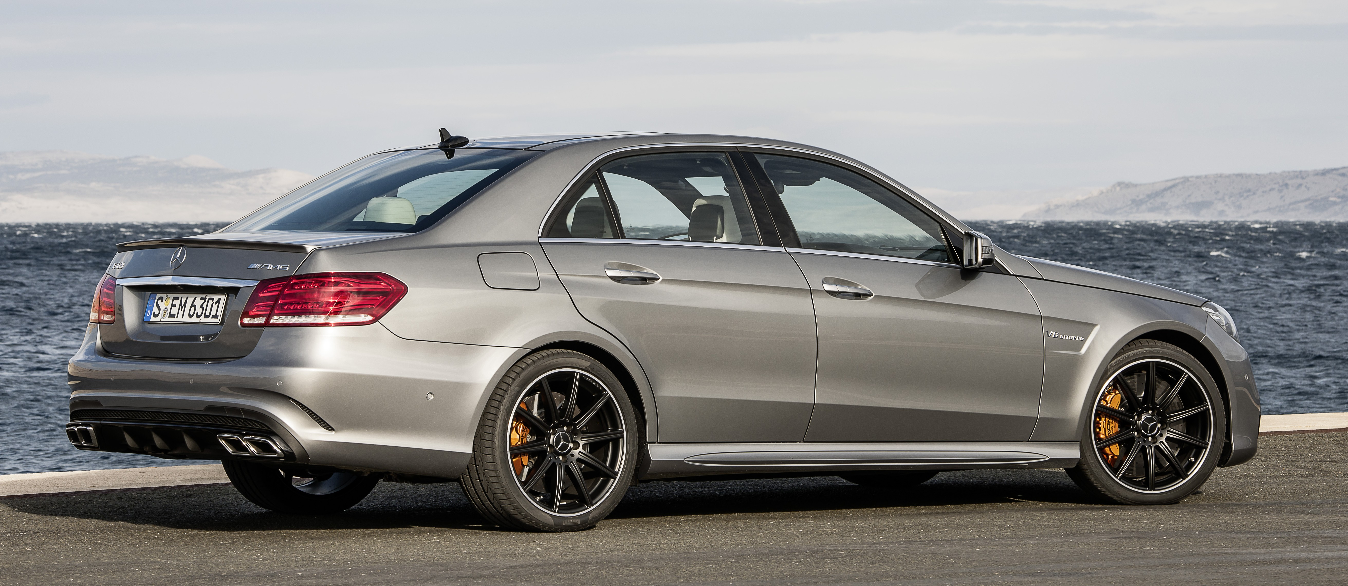 Amg >> W212 Mercedes-Benz E63 AMG facelift unveiled, now with more powerful 4MATIC S-model option Paul ...