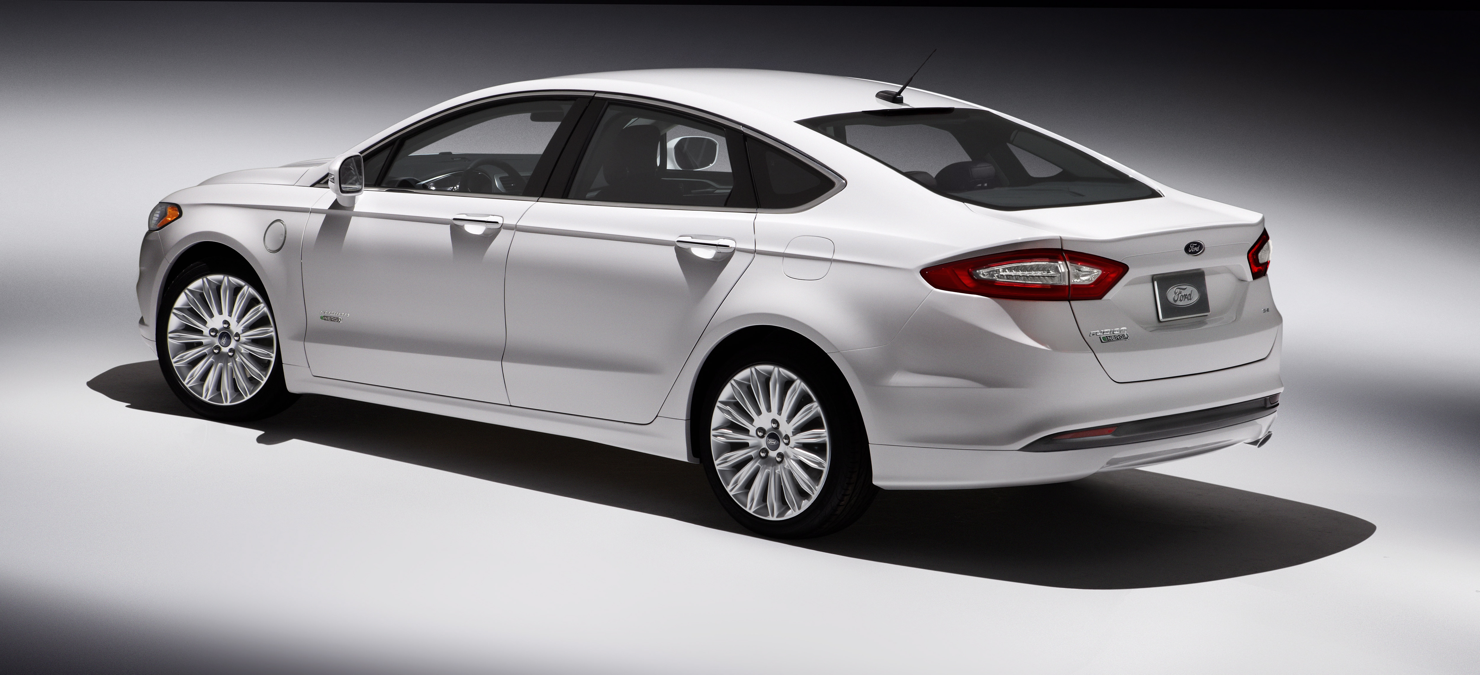 New Ford Fusion previews next-gen Mondeo for the world ...