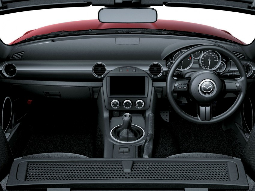 Mazda MX-5 upgraded and now being sold in Japan Image #116355