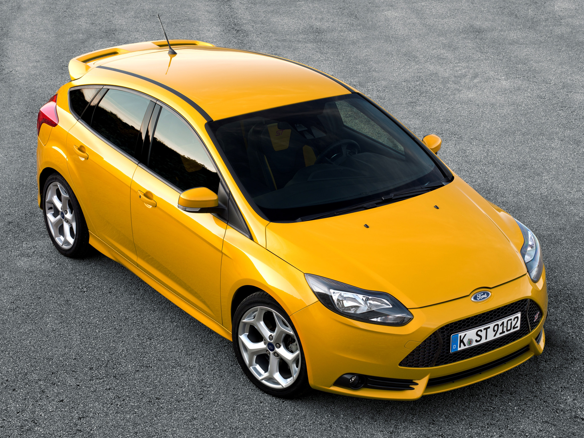 Focus Rs Hp >> Ford Focus Rs May Get 350 Hp Set For 2014 Unveil