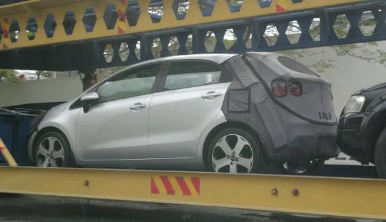 SPIED: Kia Rio five-door hatchback on trailer Image #146054