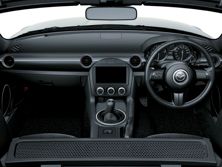 Mazda MX-5 upgraded and now being sold in Japan Image #116357