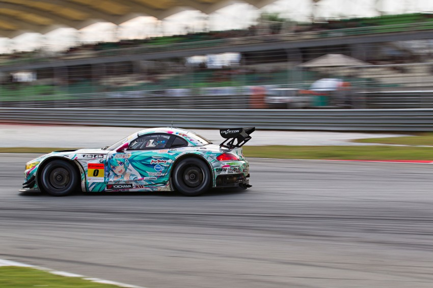 Autobacs Super GT 2012 Round 3: Weider HSV-010 and Hankook Porsche win from pole position Image #111989