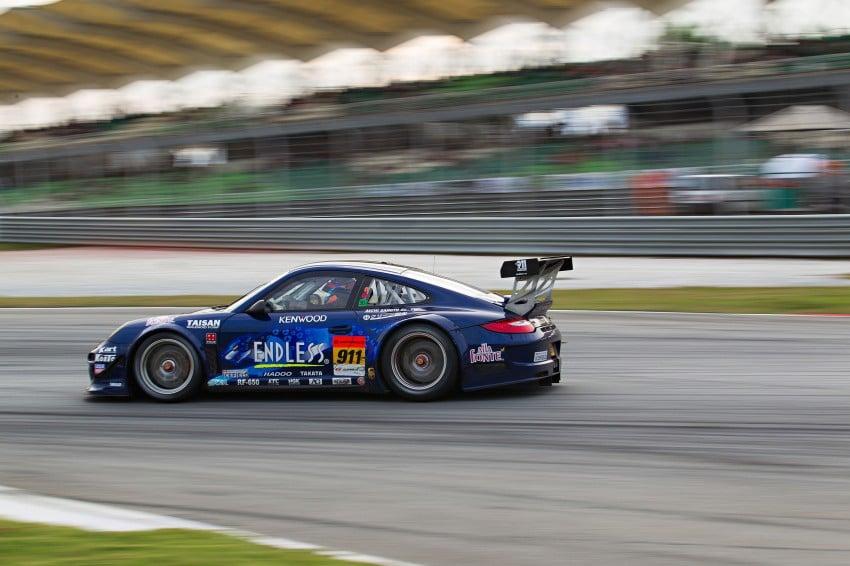 Autobacs Super GT 2012 Round 3: Weider HSV-010 and Hankook Porsche win from pole position Image #111990