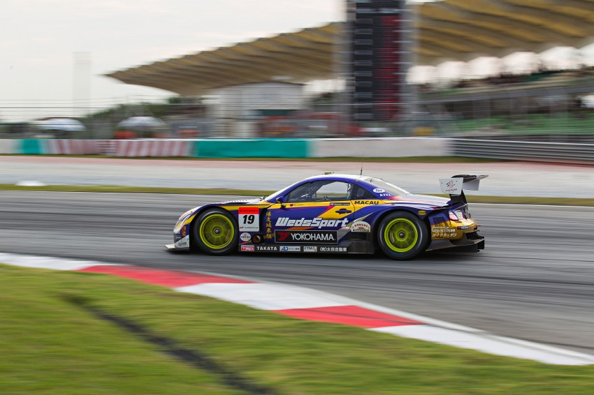 Autobacs Super GT 2012 Round 3: Weider HSV-010 and Hankook Porsche win from pole position Image #111993